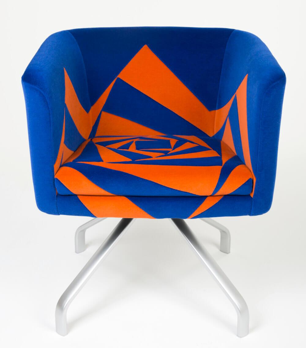 Storytelling Design | Vivolli | Stoel | Roos | Oranje | Blauw