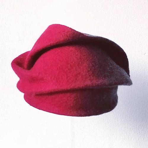 Storytelling Design | Zsófia Marx | Hoed| Rood | Vilt