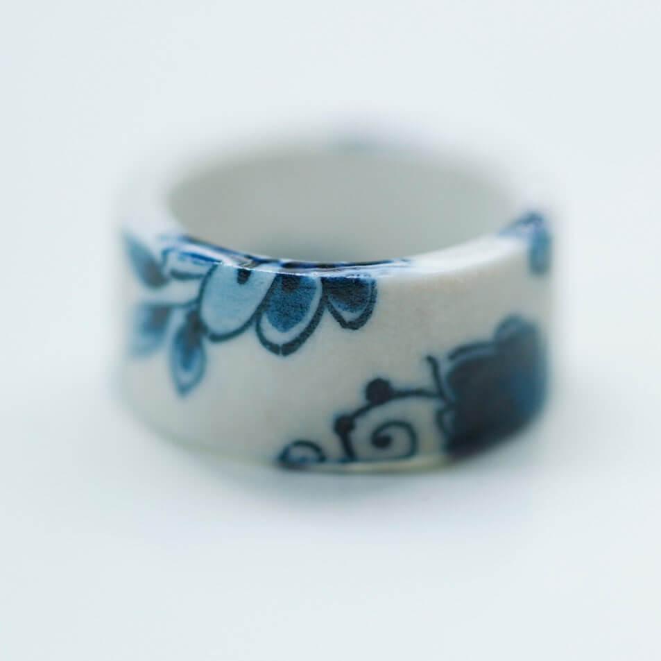 Storytelling Design   Hester Zagt   Handbeschilderd   Delfts Blauw   Porselein   Ring