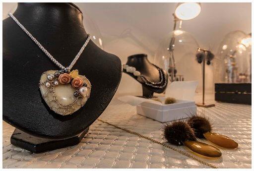 Storytelling Design | Wilhelmina Art Jewelry | Ketting | Oorbellen | Haken