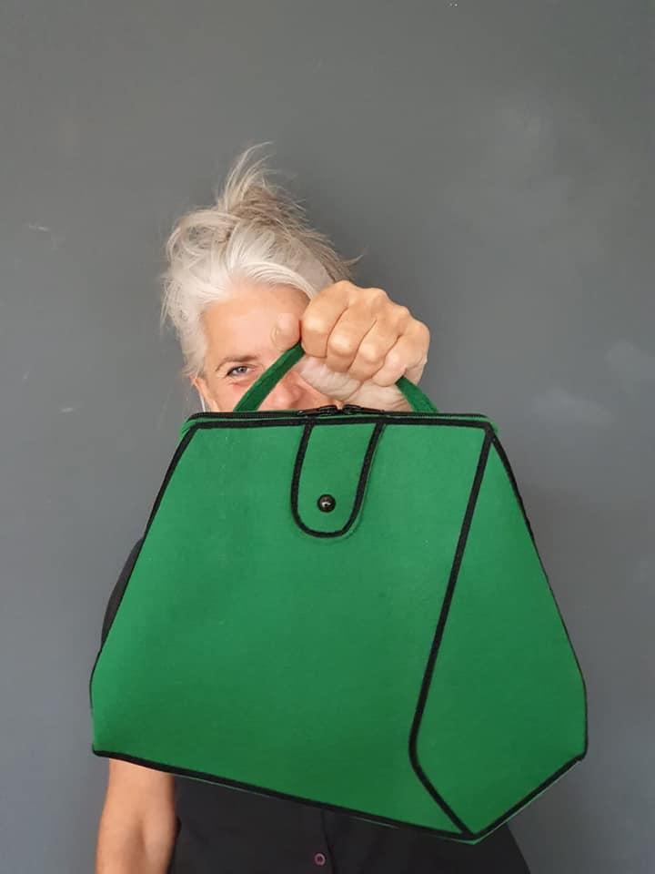 Storytelling Design   Sacha Wendt   Mondkapjes   Handtas   Groen